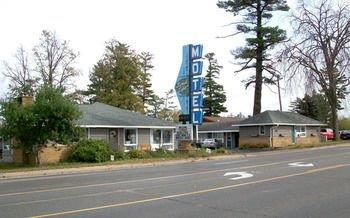 Forest Lake Motel