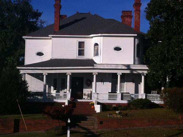 The Simmons-Bond Inn