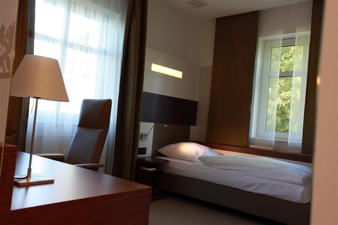 seminar freizeit hotel grosse ledder wermelskirchen offerte in corso. Black Bedroom Furniture Sets. Home Design Ideas