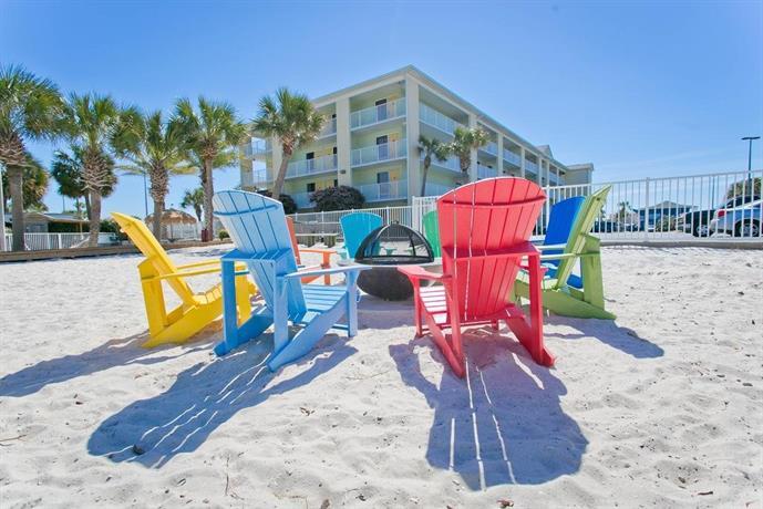 About Travelodge Pensacola Beach