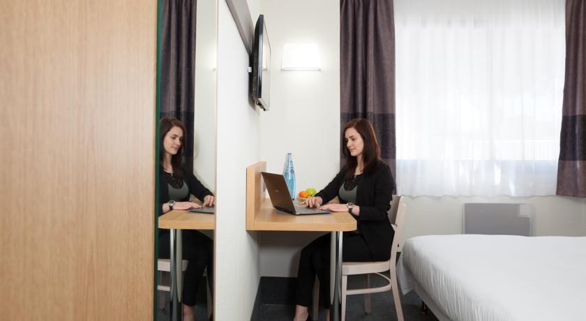 b b hotel nimes ville active n mes vergelijk aanbiedingen. Black Bedroom Furniture Sets. Home Design Ideas