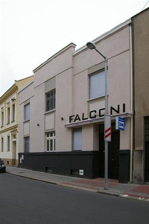 Falconi Pension