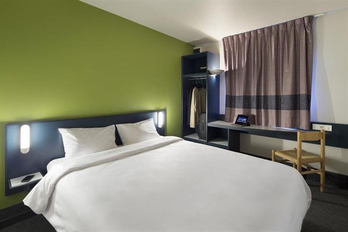 b b hotel douai parc des expos cuincy compare deals. Black Bedroom Furniture Sets. Home Design Ideas