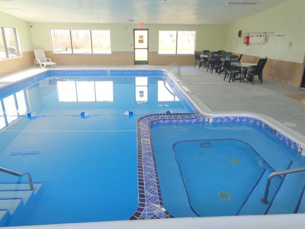 Econo Lodge Inn & Suites Auburn