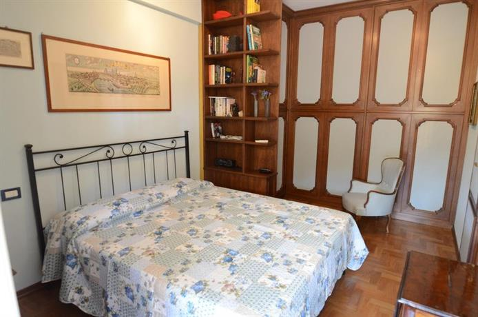 bed and breakfast pisa relais compare deals. Black Bedroom Furniture Sets. Home Design Ideas