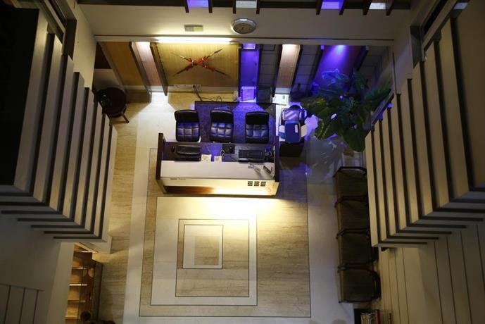 Hotel Mint Safdarjung near AIIMS