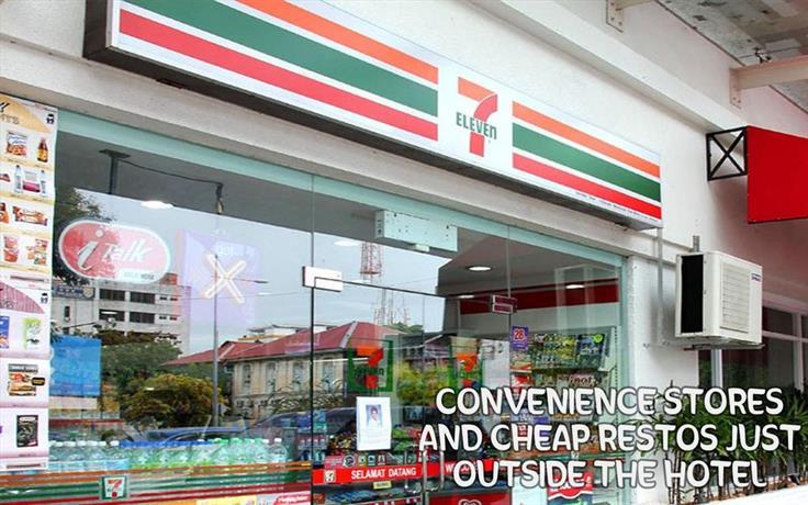 Food District Hostel Cebu Central
