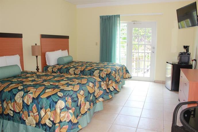 About Hotel Lucia Beach Villas
