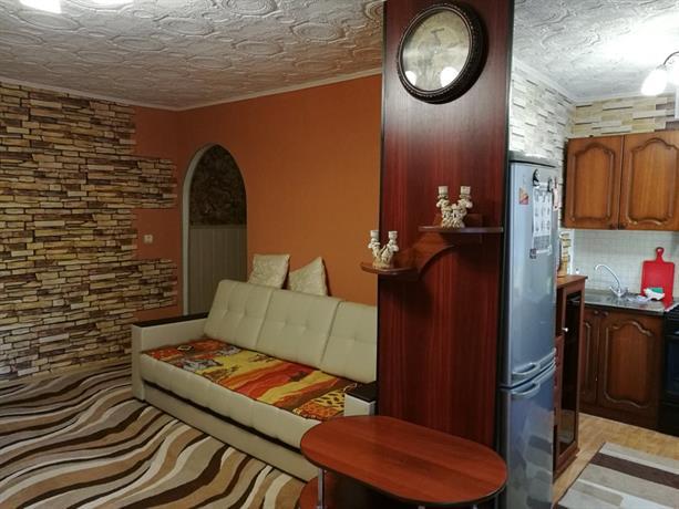 On Plekhanova 63A Apartments