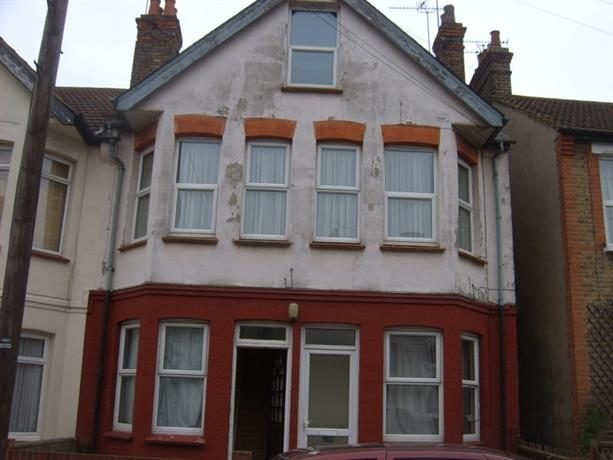Homestay in Southend-on-Sea near Palace Theatre