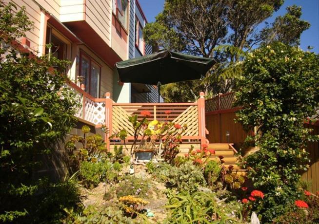 Homestay in Wellington near Tapu Te Ranga Marae