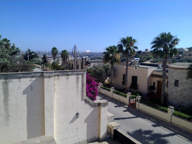Homestay in Malta Island near San Anton Gardens