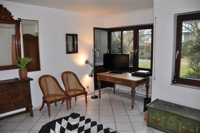 Homestay in Morsenbroich near Grafenberger Wald