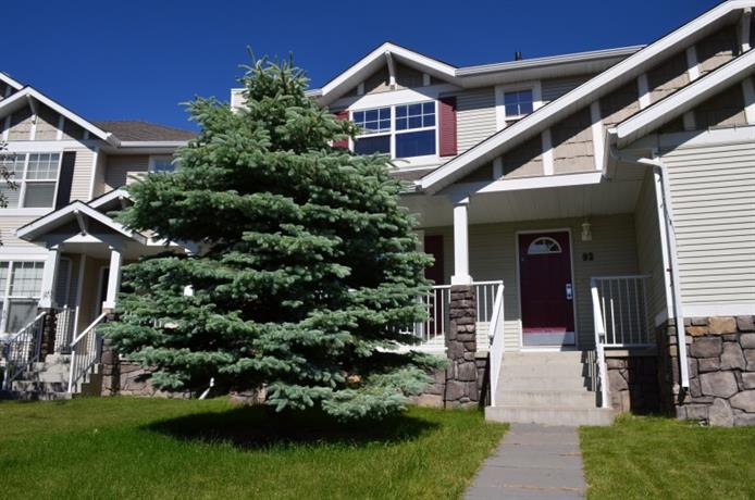 Homestay in Calgary near Shouldice Athletic Park