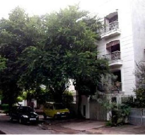 Homestay in South Delhi near Hazrat Nizamuddin Railway Station