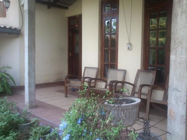 Homestay in Rajagiriya near Paikiasothy Saravanamuttu Stadium