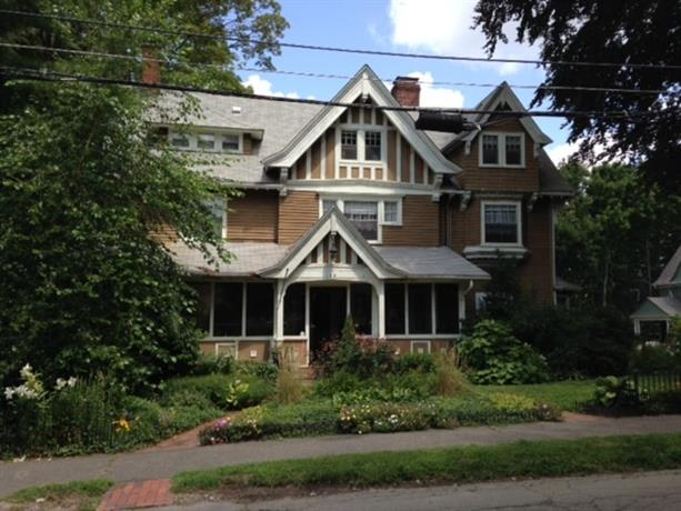 Homestay in Newton near Samuel Jackson Jr. House