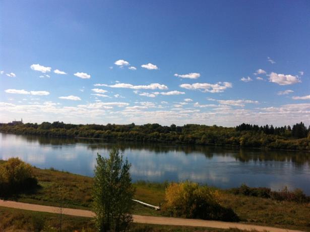 Homestay in Saskatoon near Bowerman House