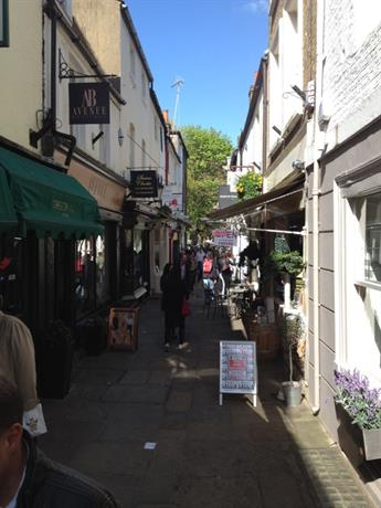 Homestay in Twickenham near Orleans House Gallery