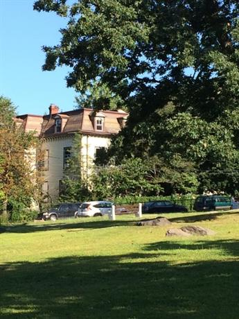 Homestay in Yonkers near John Copcutt Mansion