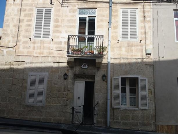 Homestay in Birkirkara near Chamber Of Mysteries