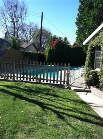 Homestay - Loves socialising Granada Hills