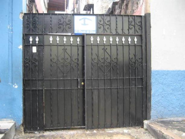 Homestay in Havana near Temple Beth Shalom