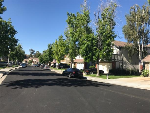 Homestay in Santa Clarita near Via Princessa Metrolink Station