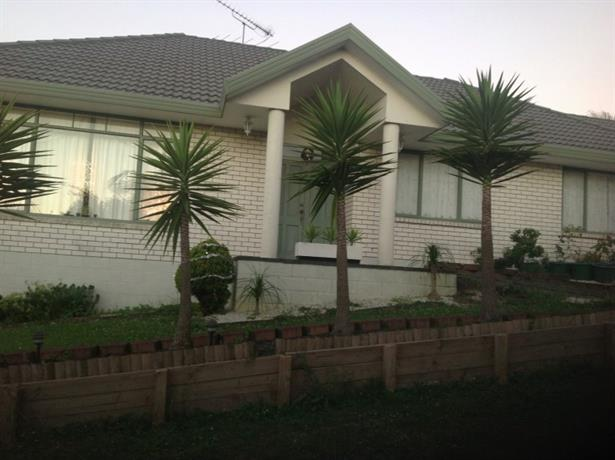 Homestay in Goodwood Heights near Derrimore Park
