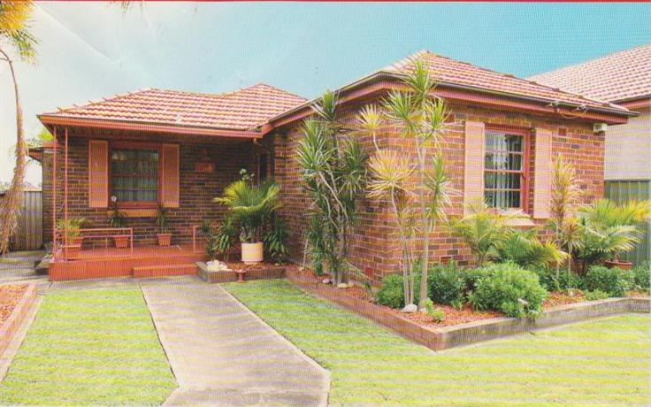 Homestay in Belmore near Kingsgrove Railway Station