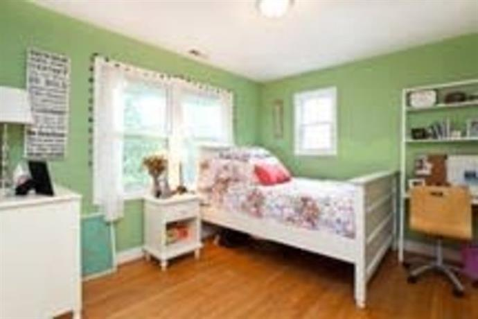 Homestay in Falls Church near State Theatre