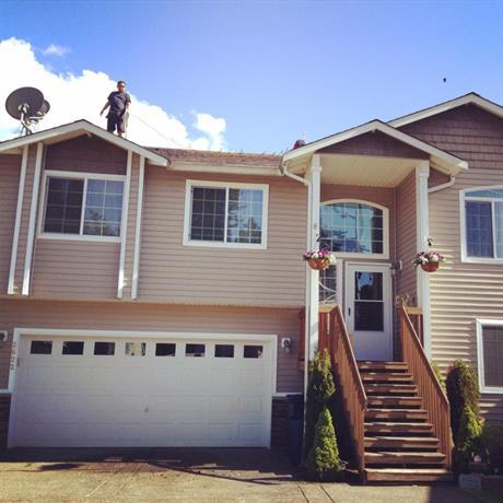Homestay in Everett near The Mortgage Banker Group Inc.