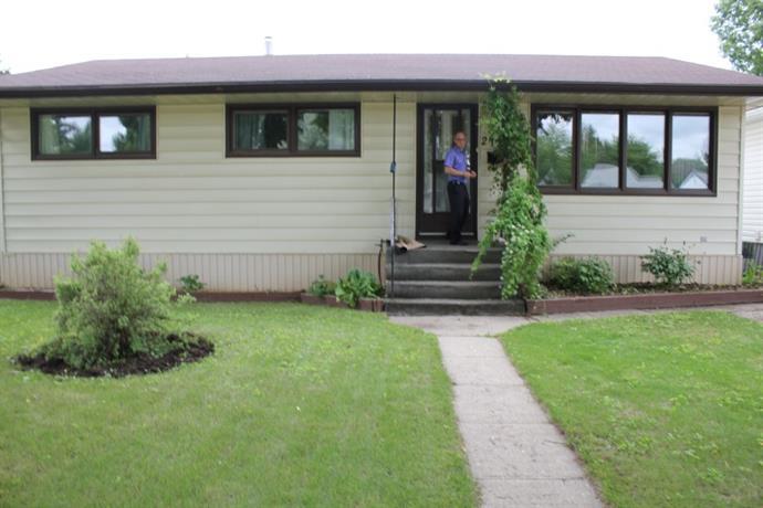 Homestay in Saskatoon near Horizon College and Seminary