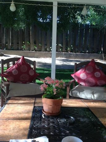 Homestay in Santa Clarita near Santa Clarita Metrolink Station