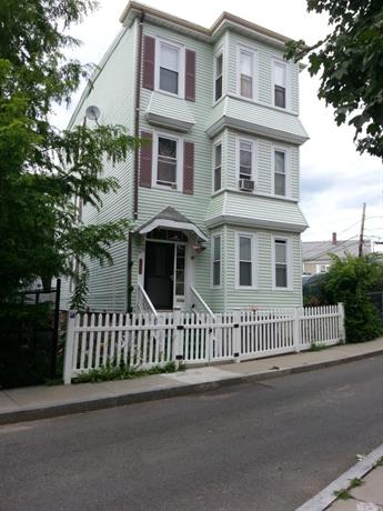 Homestay in Roxbury near Frances and Isabella Apartments