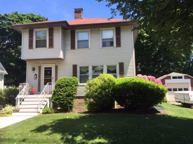 Homestay in Beverly near United States Post Office