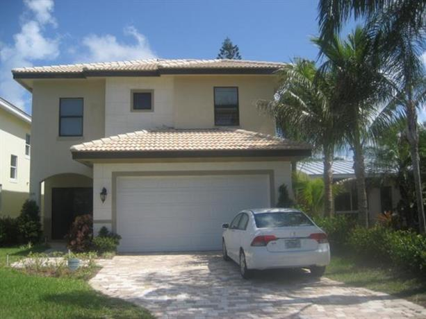 Homestay in Oakland Park near The Massage Studio and Spa