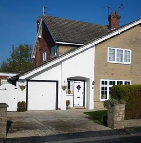 Homestay in Upper Poppleton near Optix Software Ltd