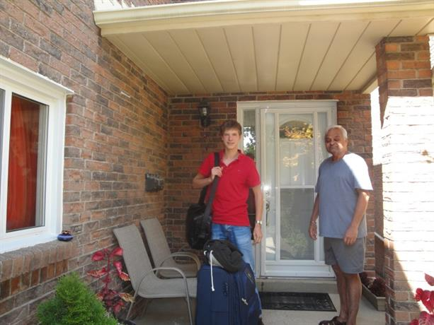 Homestay In Erin Mills Parkway And Folkway Drive Mississauga Ontario
