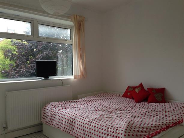 Homestay in West Bromwich near Sandwell Valley Reserve