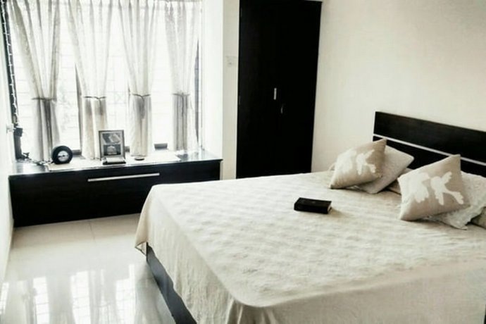 Homestay in Western Suburbs near Ismail Yusuf College