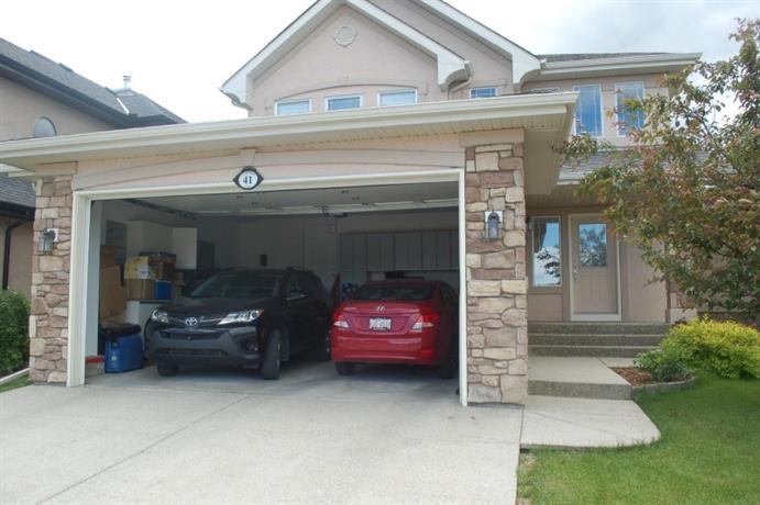 Homestay in Southeast Calgary near Chapala Park