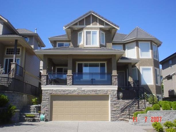 Homestay in Coquitlam near Evergreen Cultural Centre