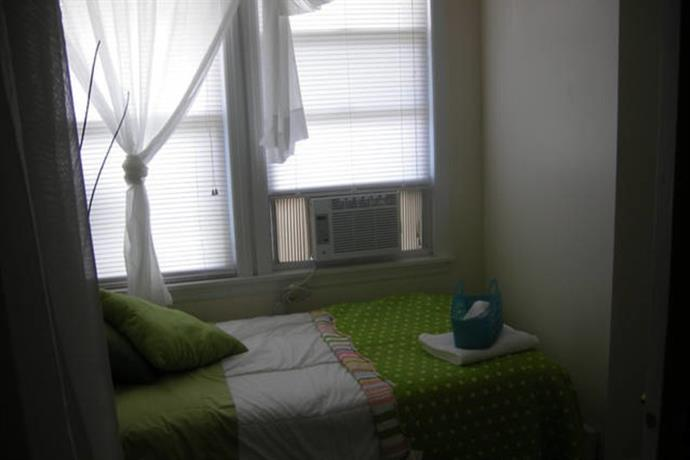 Homestay in Bayonne near 34th Street HBLR Station