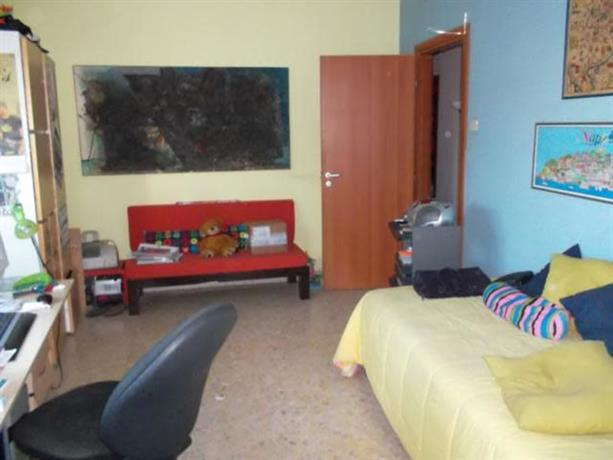 Homestay in Pomigliano d'Arco near Castelcisterna Railway Station