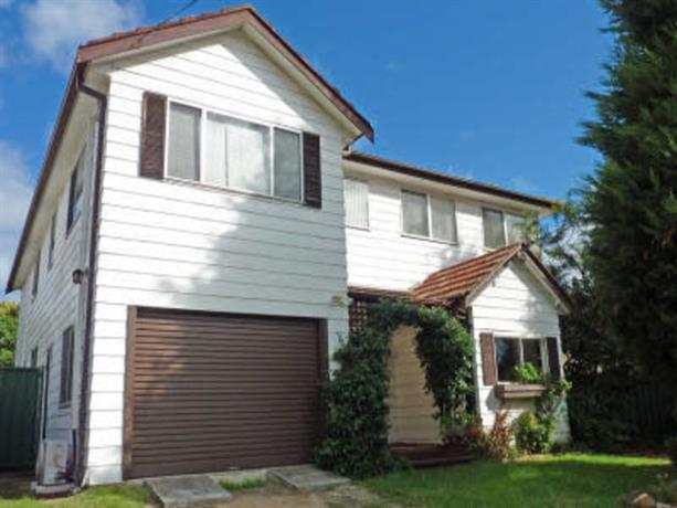 Homestay in Penshurst near Narwee Railway Station