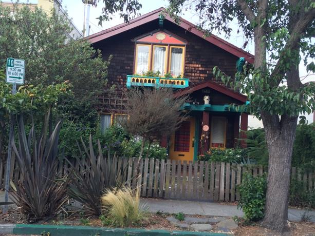 Homestay in Berkeley near Ashby BART Station