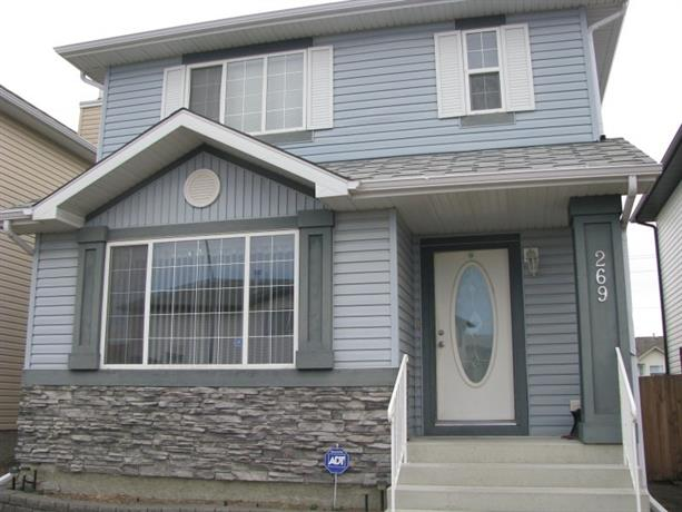 Homestay in Northeast Calgary near Saddletowne Station