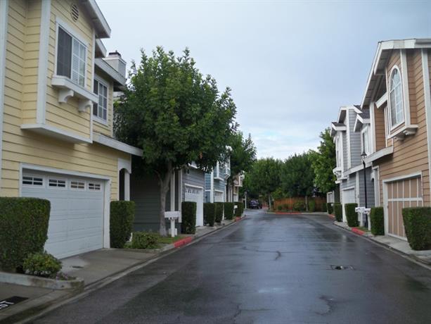 Homestay - Quiet Gated Community