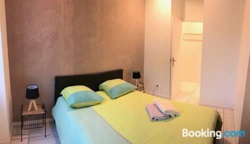 Appartement design meuble marseille centre lonchamp for Appartement design malmousque marseille